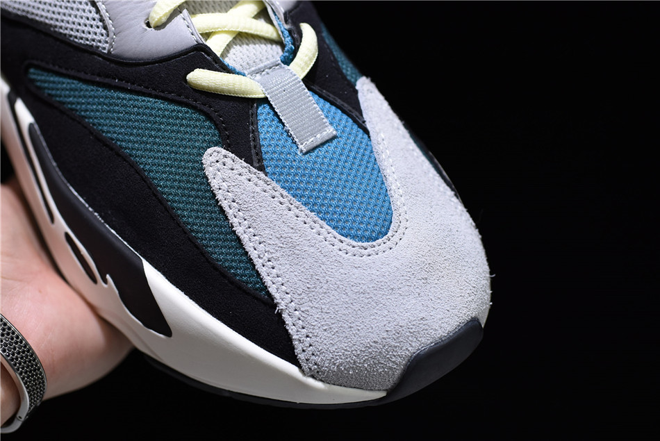 yeezy 700 wave runner laces