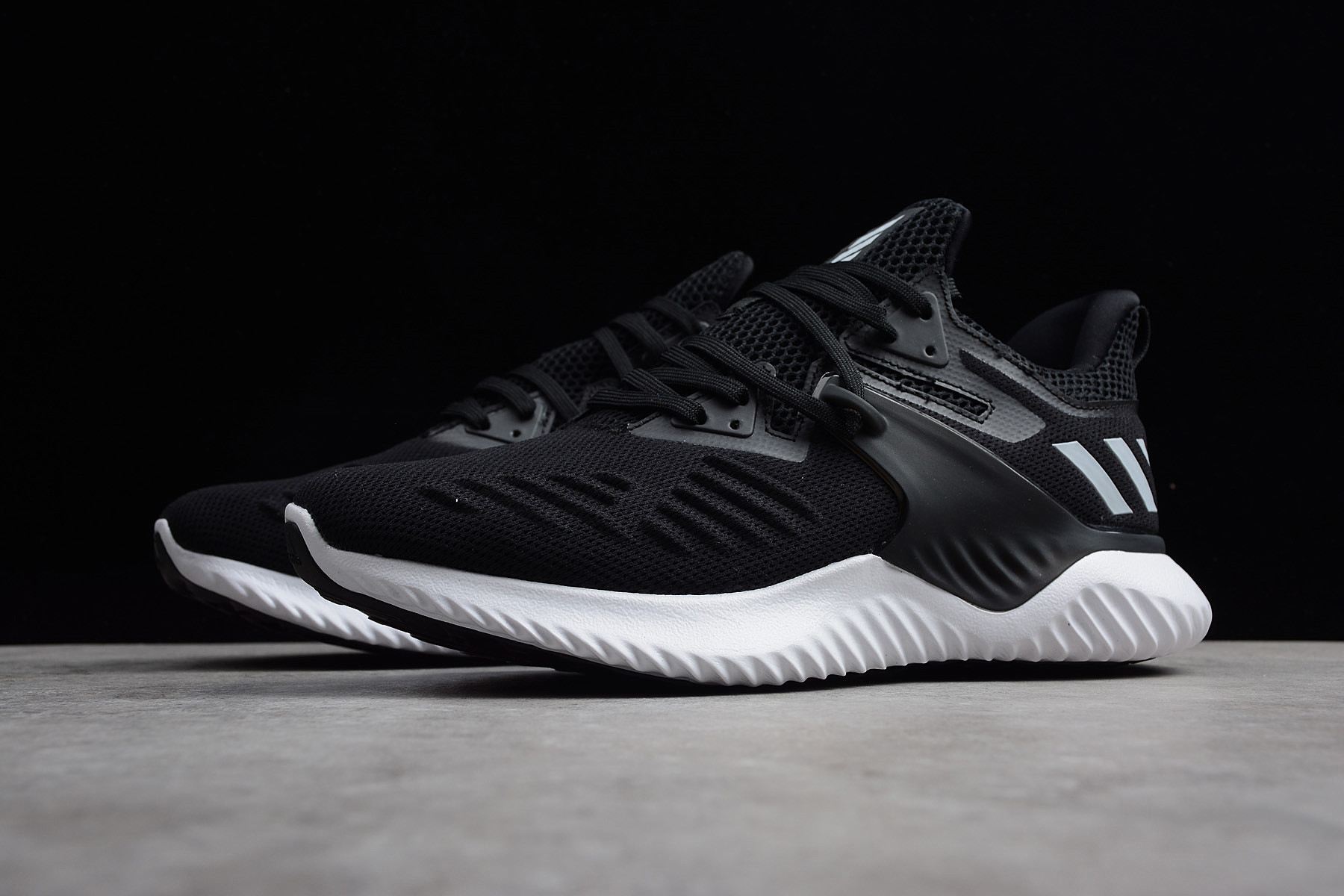 alphabounce black and white